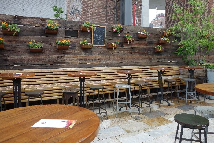 Brass Monkey: kid-friendly restaurants, Meatpacking District, New York