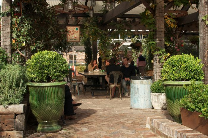 The Grounds of Alexandria: Kid-Friendly restaurants in Alexandria, via brunchwithmybaby.com