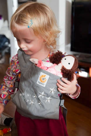 Ergo Doll Carrier review & Giveaway via brunchwithmybaby.com