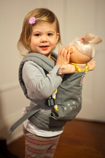 fba2eb203df  Ergo  dollcarrier review    giveaway via brunchwithmybaby.com · Ergo Doll  Carrier ...