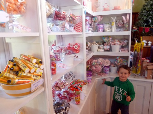 The Gingerbread House - #kid-friendly #cafes - #Katoomba, #Sydney via brunchwithmybaby.com