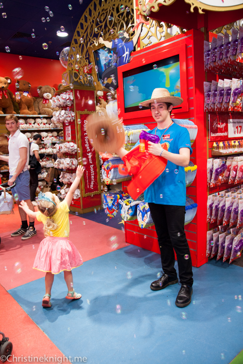 Hamley's #London via christineknight.me