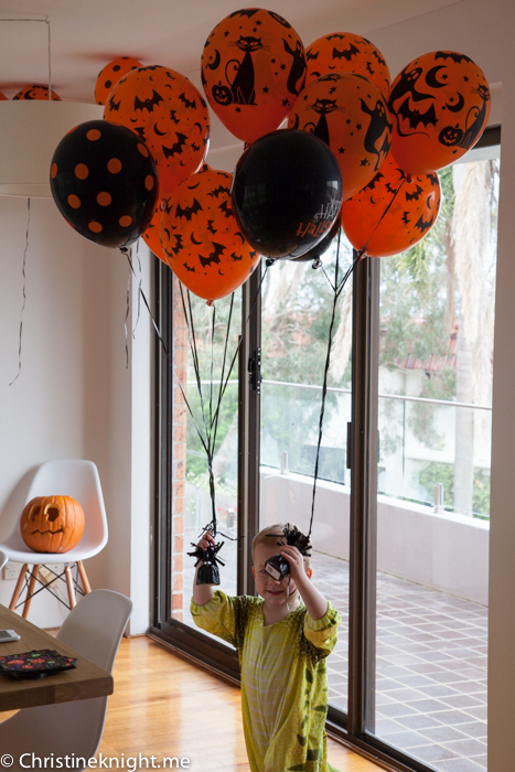 Halloween party via christineknight.me