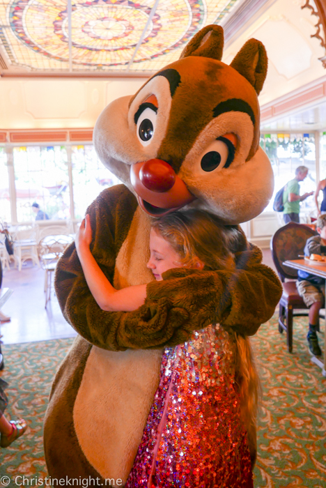 Minnie & Friends Breakfast in the Park at the Plaza Inn, Disneyland