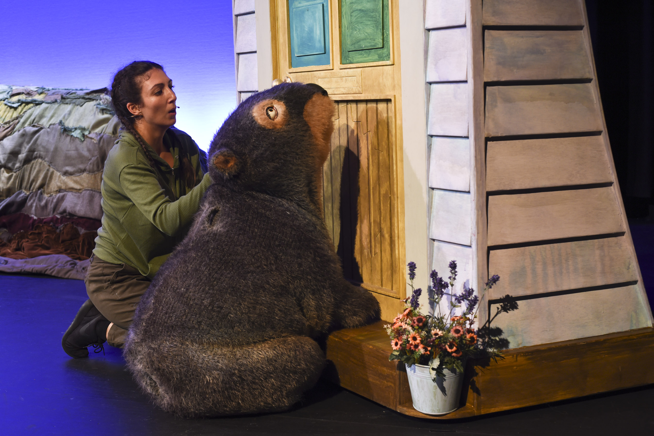 Diary of a Wombat by Monkey Baa Theatre Company, Sydney